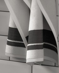 30×50-Towel—White-and-black-stripes_002
