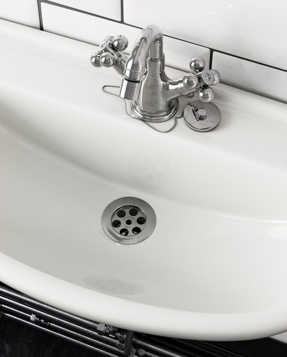 Sink-and-tap_01_small